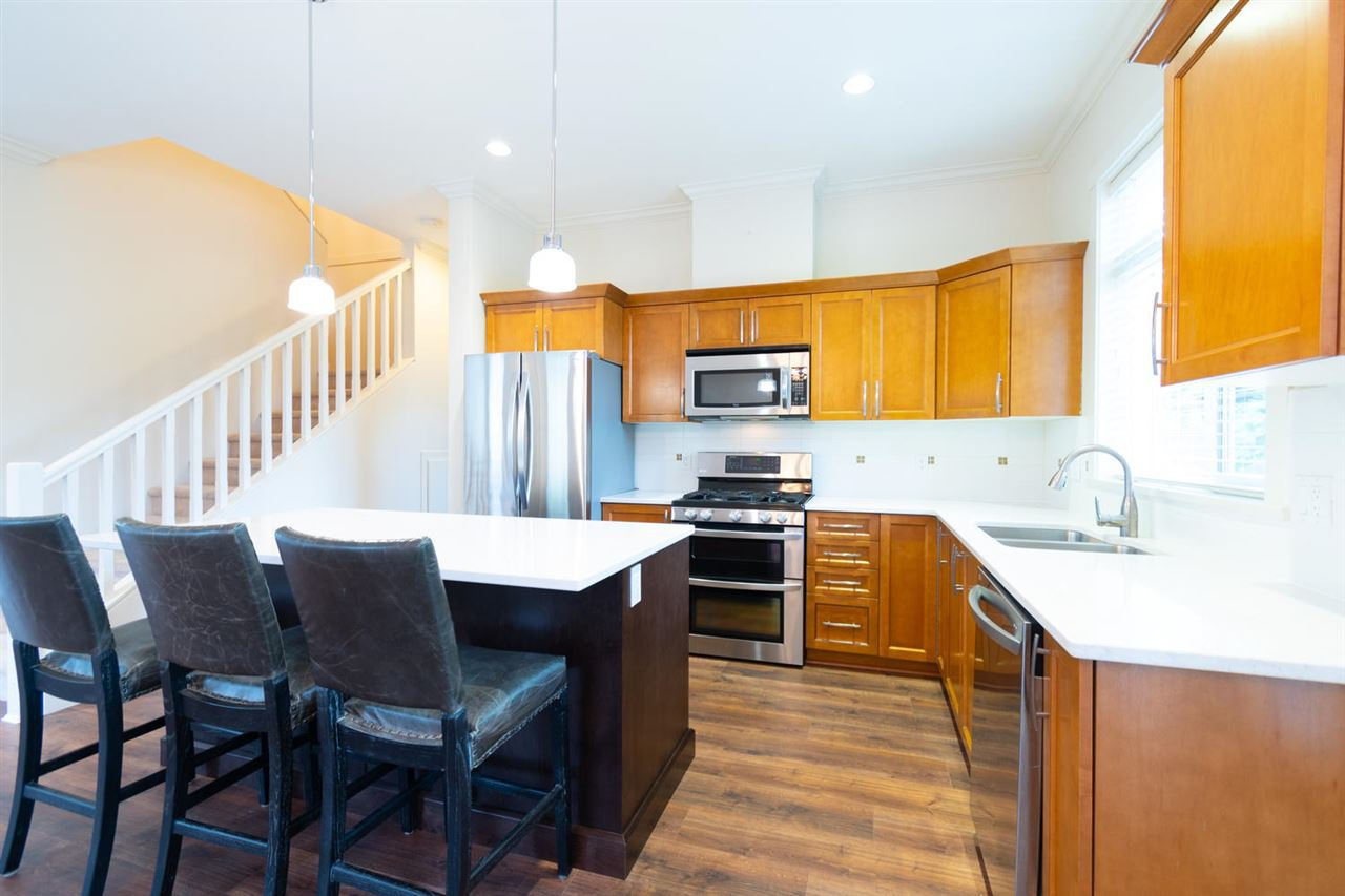 """Photo 4: Photos: 1 4887 CENTRAL Avenue in Delta: Hawthorne Townhouse for sale in """"CENTRAL PARK WEST"""" (Ladner)  : MLS®# R2320085"""