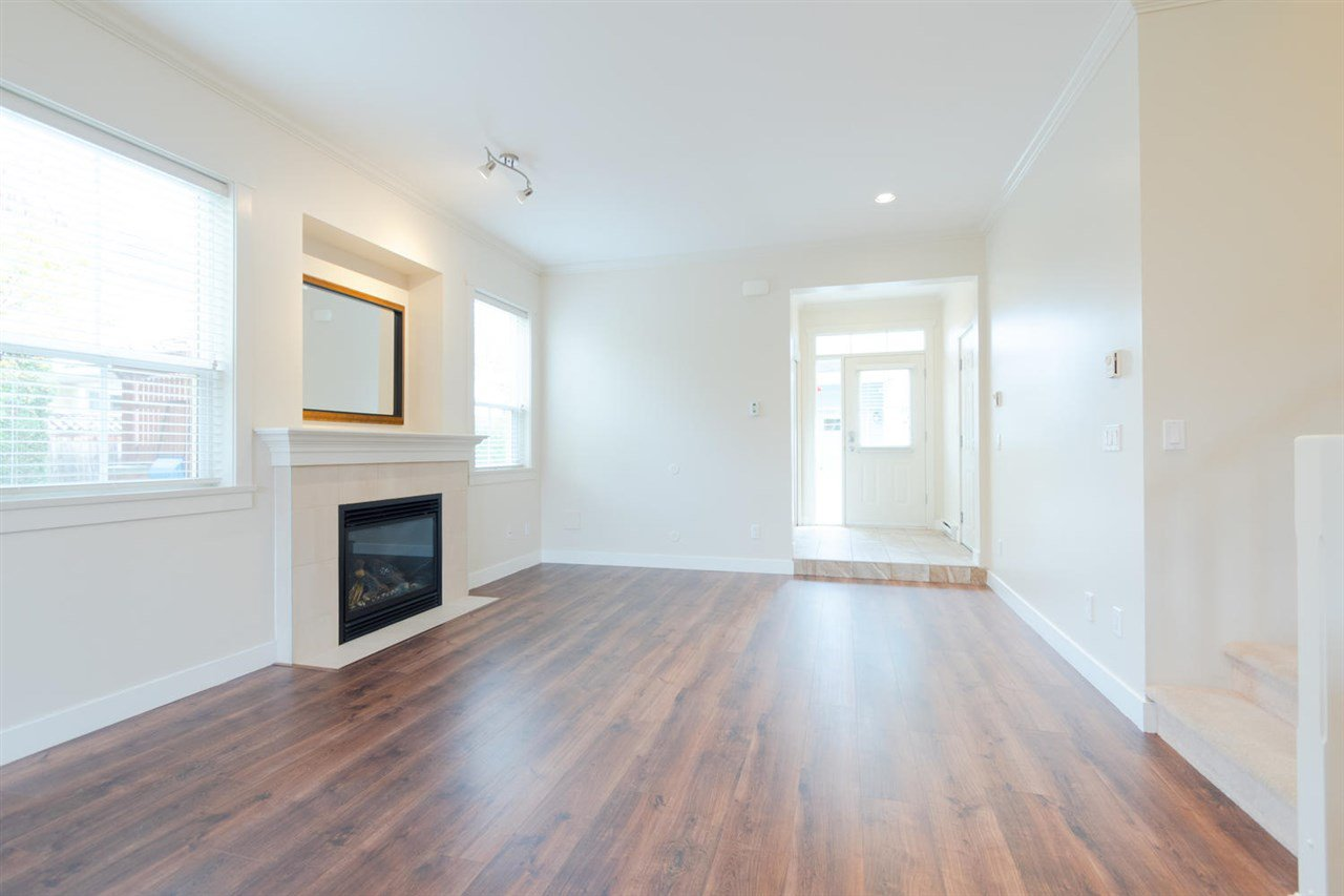 """Photo 9: Photos: 1 4887 CENTRAL Avenue in Delta: Hawthorne Townhouse for sale in """"CENTRAL PARK WEST"""" (Ladner)  : MLS®# R2320085"""