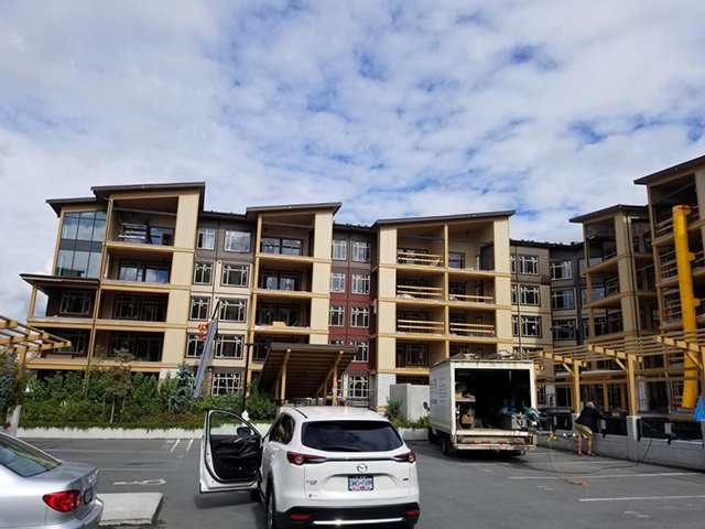 "Main Photo: 207 32445 SIMON Avenue in Abbotsford: Abbotsford West Condo for sale in ""La Galleria"" : MLS®# R2323414"