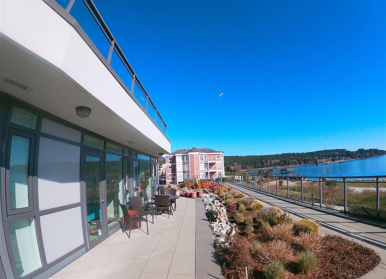 "Photo 2: Photos: 201 5665 TEREDO Street in Sechelt: Sechelt District Condo for sale in ""Watermark At Sechelt"" (Sunshine Coast)  : MLS®# R2349926"