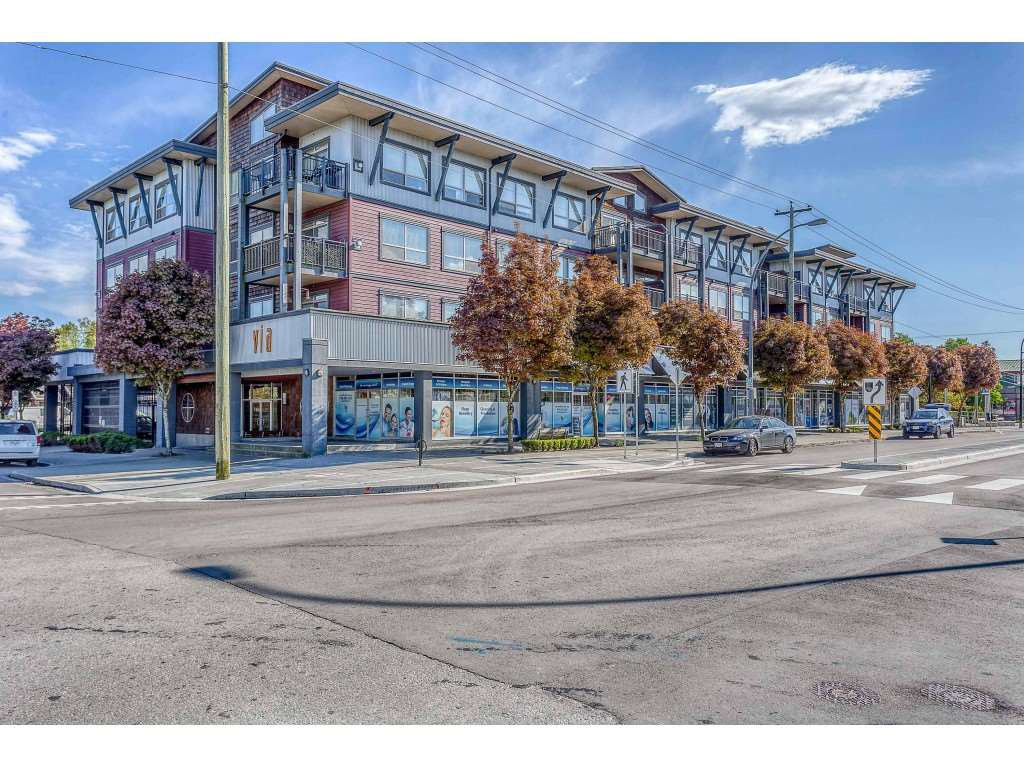 Main Photo: 310 288 HAMPTON Street in New Westminster: Queensborough Condo for sale : MLS®# R2364868