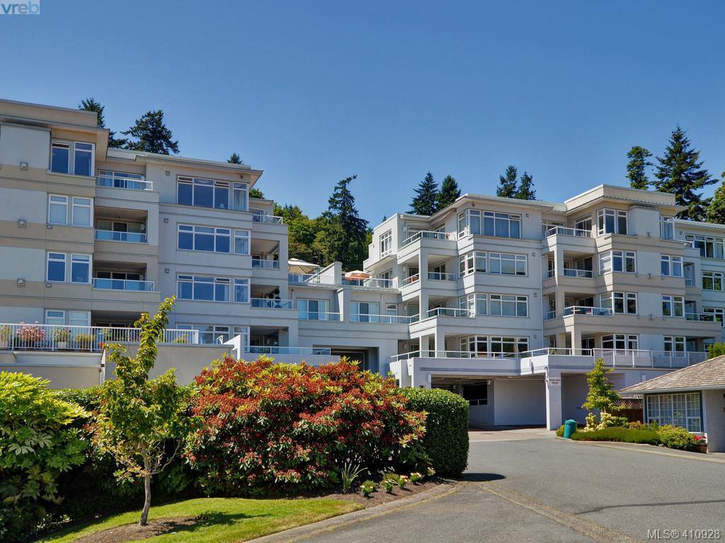 Main Photo: 307 5110 Cordova Bay Road in VICTORIA: SE Cordova Bay Condo Apartment for sale (Saanich East)  : MLS®# 410928