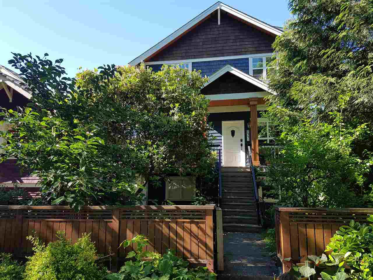 Main Photo: 2331 E 6TH Avenue in Vancouver: Grandview Woodland House for sale (Vancouver East)  : MLS®# R2398136