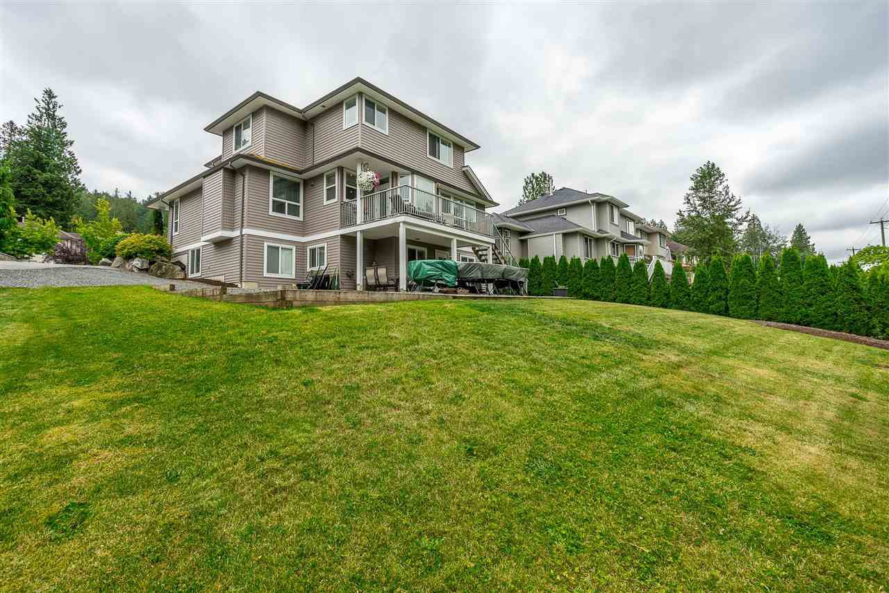 "Main Photo: 3755 CASTLE PINES Court in Abbotsford: Abbotsford East House for sale in ""Ledgeview Estates"" : MLS®# R2406731"