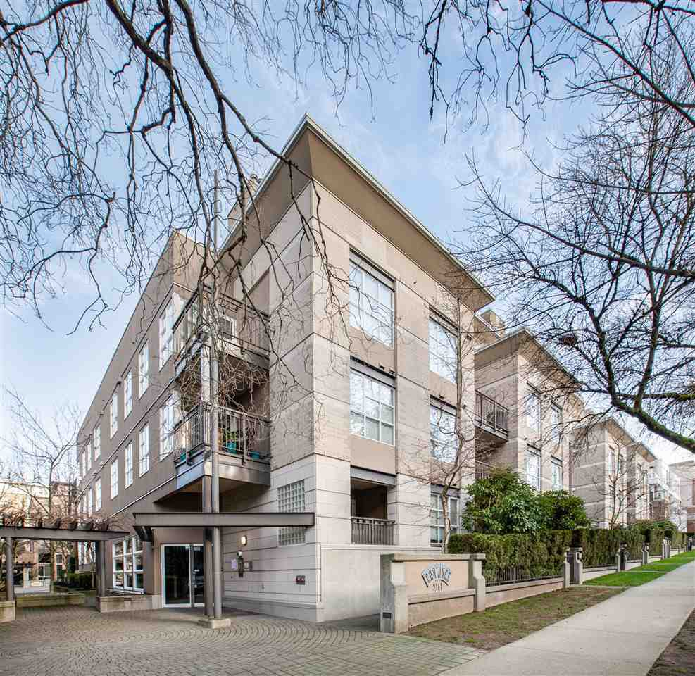 "Main Photo: 106 2161 W 12TH Avenue in Vancouver: Kitsilano Condo for sale in ""The Carlings"" (Vancouver West)  : MLS®# R2427878"