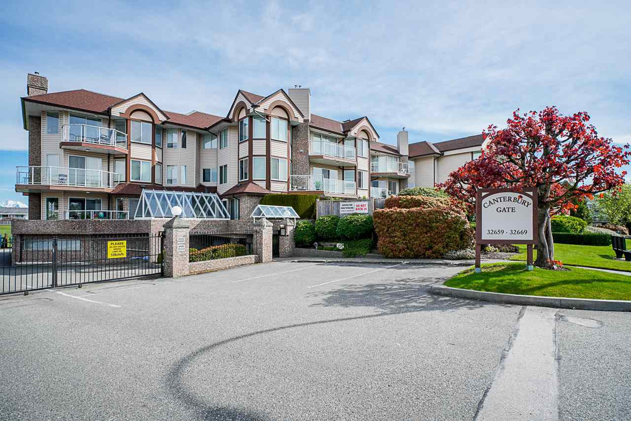 """Main Photo: 105 32669 GEORGE FERGUSON Way in Abbotsford: Abbotsford West Condo for sale in """"Canterbury Gate"""" : MLS®# R2453437"""