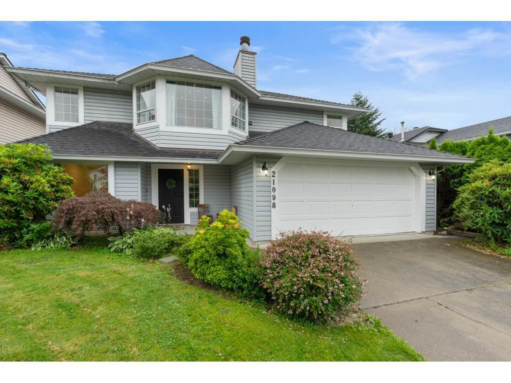 Main Photo: 21098 92B Avenue in Langley: Walnut Grove House for sale : MLS®# R2479483