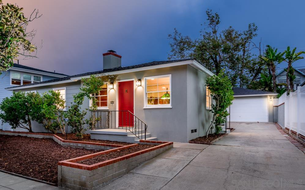 Main Photo: CROWN POINT House for sale : 3 bedrooms : 3640 Jewell St. in San Diego