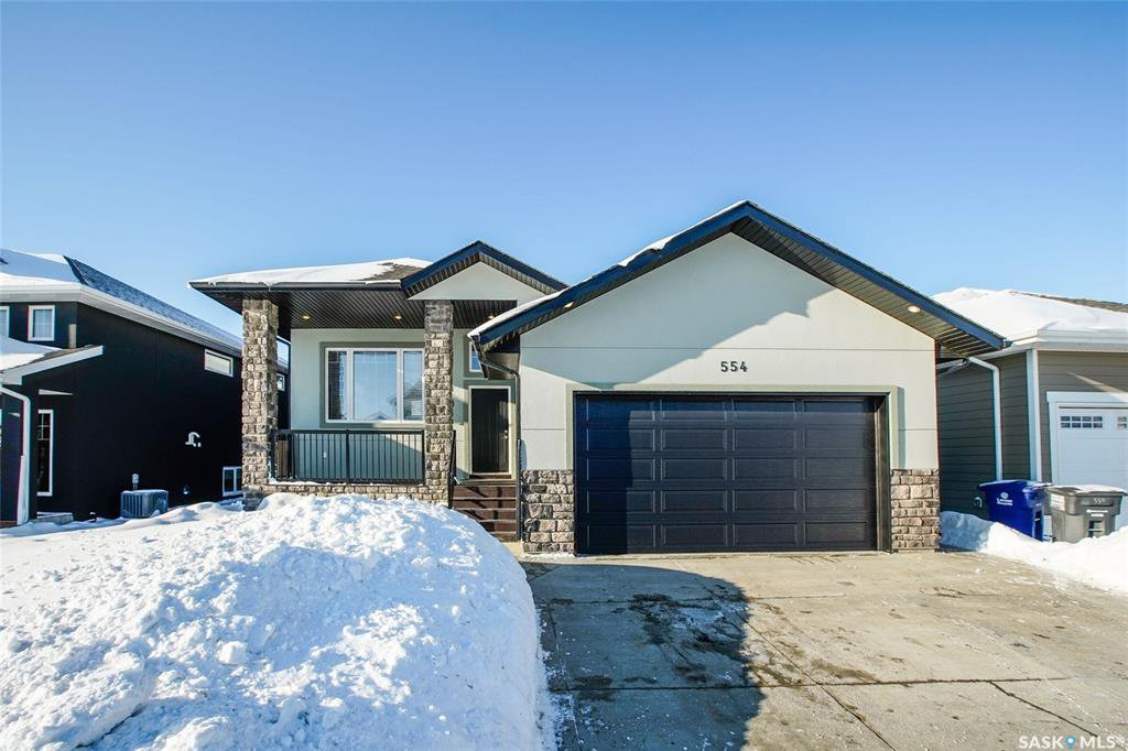 Main Photo: 554 Pritchard Crescent in Saskatoon: Rosewood Residential for sale : MLS®# SK834046