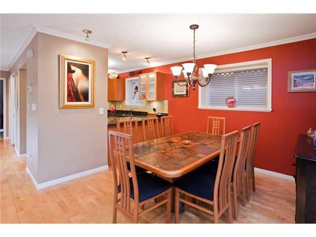 Photo 4: Photos: 2818 W 3RD Avenue in Vancouver: Kitsilano Condo for sale (Vancouver West)  : MLS®# V935463