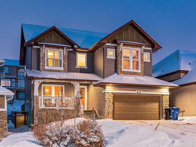 Main Photo: 150 CRESTRIDGE Way SW in CALGARY: Crestmont Residential Detached Single Family for sale (Calgary)  : MLS®# C3595084