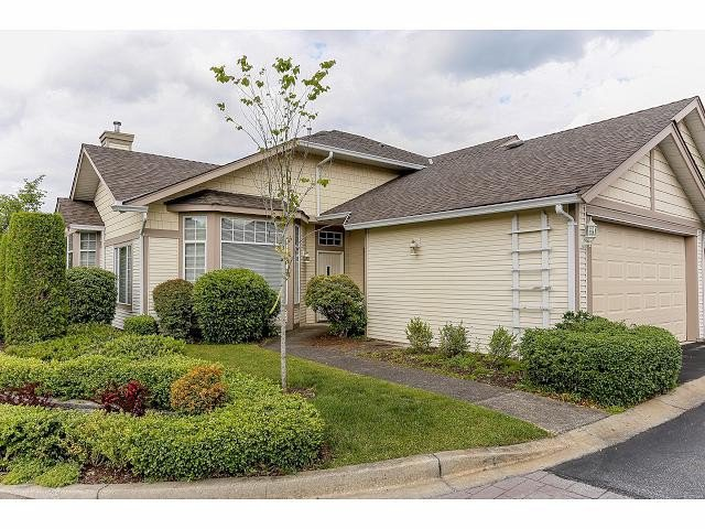 """Main Photo: 5 9012 WALNUT GROVE Drive in Langley: Walnut Grove Townhouse for sale in """"QUEEN ANNE GREEN"""" : MLS®# F1413669"""