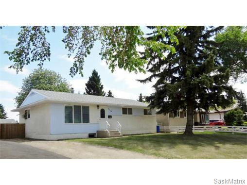 Main Photo: 1116 Northumberland Avenue in Saskatoon: Single Family Dwelling for sale : MLS®# 537281