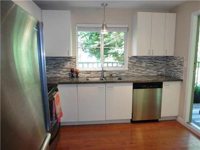 Photo 6: Photos: 114 1242 TOWN CENTRE Boulevard in Coquitlam: Canyon Springs Condo for sale : MLS®# V1139688