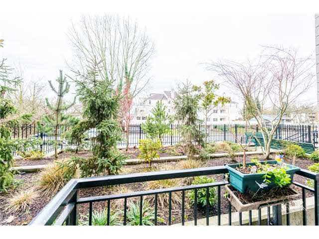 """Photo 3: Photos: 110 2343 ATKINS Avenue in Port Coquitlam: Central Pt Coquitlam Condo for sale in """"THE PEARL"""" : MLS®# V1140394"""