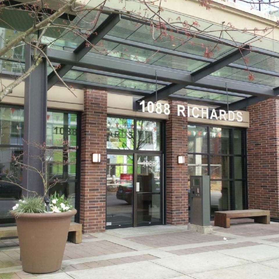 """Main Photo: 504 1088 RICHARDS Street in Vancouver: Yaletown Condo for sale in """"RICHARDS LIVING"""" (Vancouver West)  : MLS®# R2048178"""