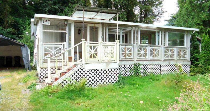 "Main Photo: 147 1830 MAMQUAM Road in Squamish: Garibaldi Estates Manufactured Home for sale in ""Timber Town"" : MLS®# R2098766"