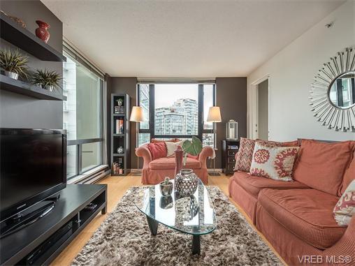 Main Photo: 710 751 Fairfield Rd in VICTORIA: Vi Downtown Condo Apartment for sale (Victoria)  : MLS®# 744857