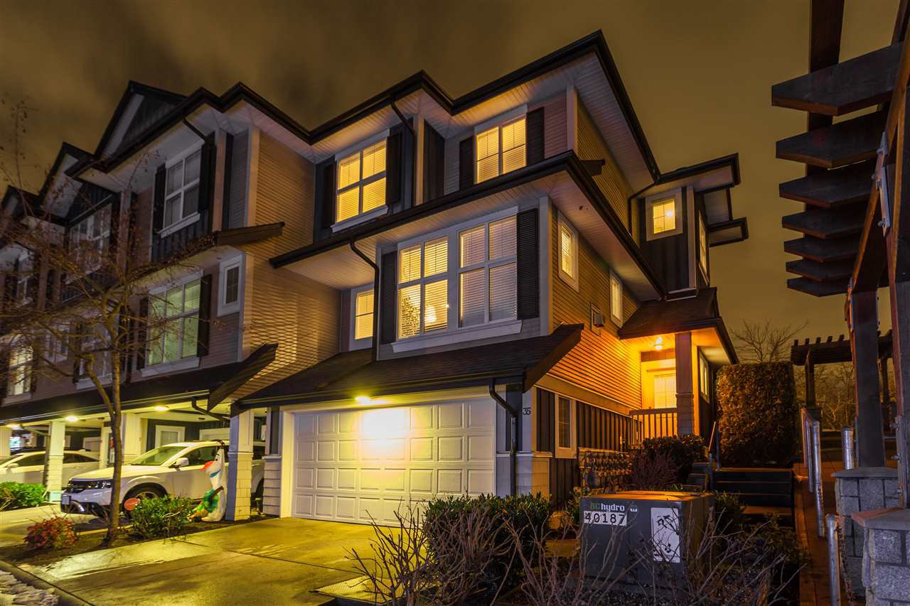 """Main Photo: 35 18199 70 Avenue in Surrey: Cloverdale BC Townhouse for sale in """"Augusta"""" (Cloverdale)  : MLS®# R2127883"""