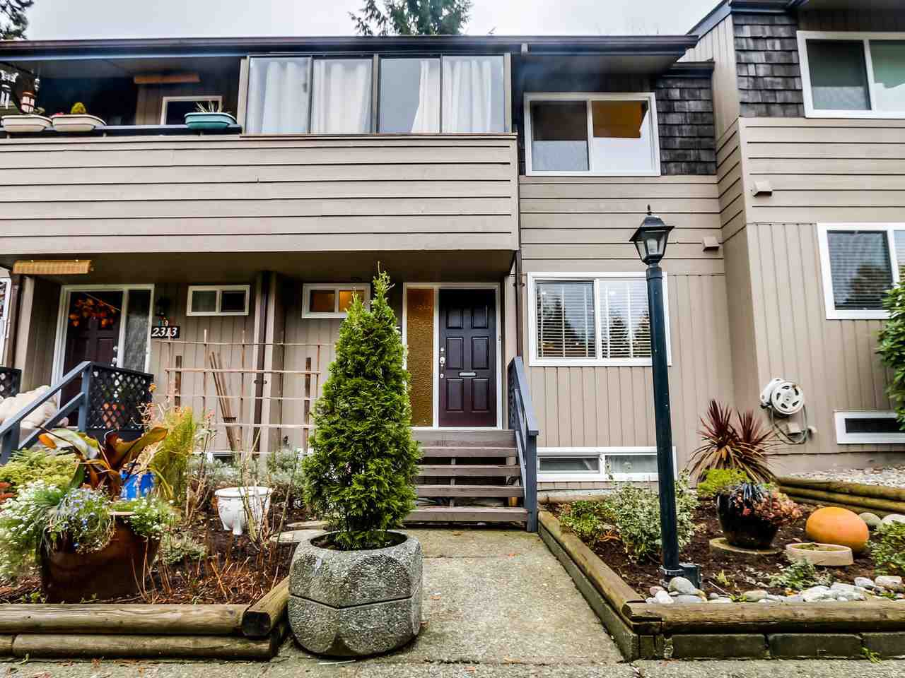 Main Photo: 2315 MOUNTAIN HIGHWAY in : Lynn Valley Townhouse for sale : MLS®# R2014589