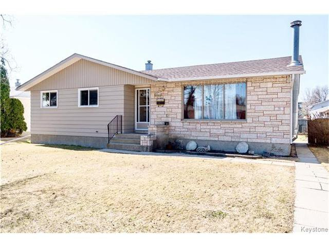 Main Photo: 62 Masterton Crescent in Winnipeg: Maples Residential for sale (4H)  : MLS®# 1708380