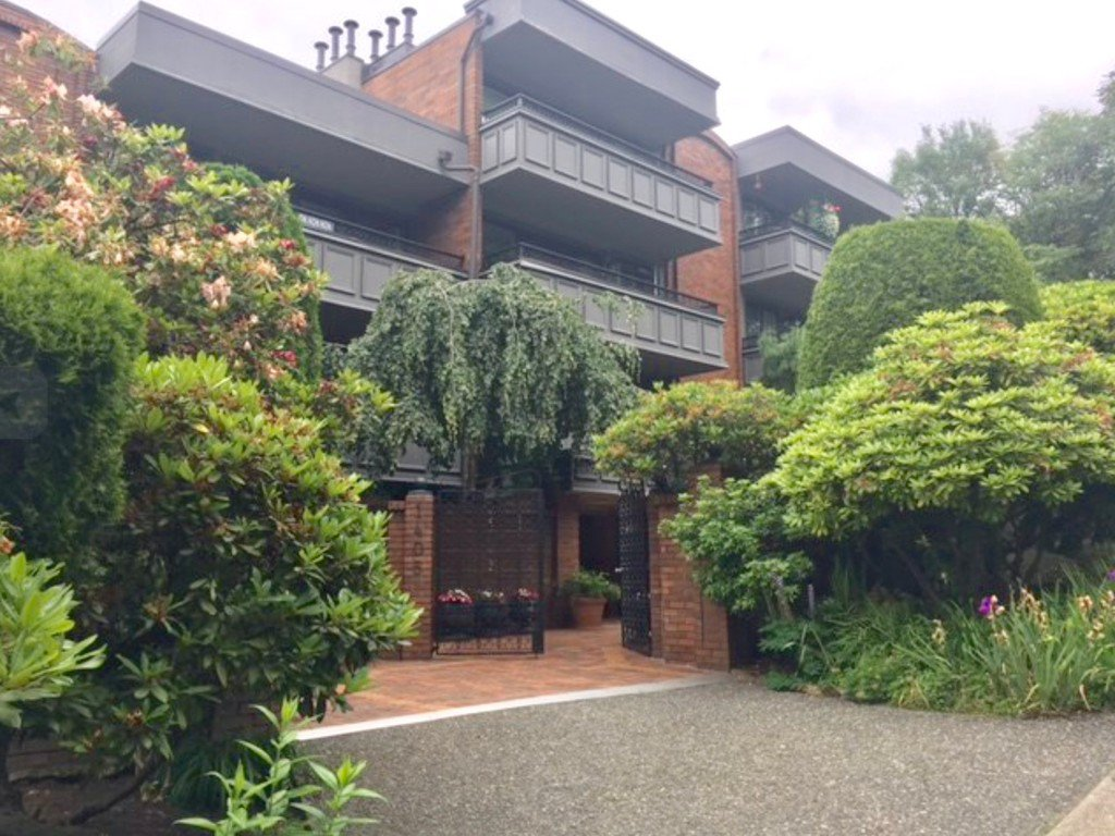 Main Photo: 503 1405 West 15th Avenue in Vancouver: Fairview VW Condo for sale (Vancouver West)  : MLS®# R2176957