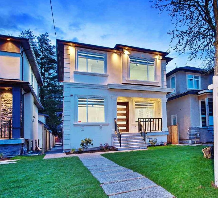 Main Photo: 6977 BALMORAL Street in Vancouver: Killarney VE House for sale (Vancouver East)  : MLS®# R2244104