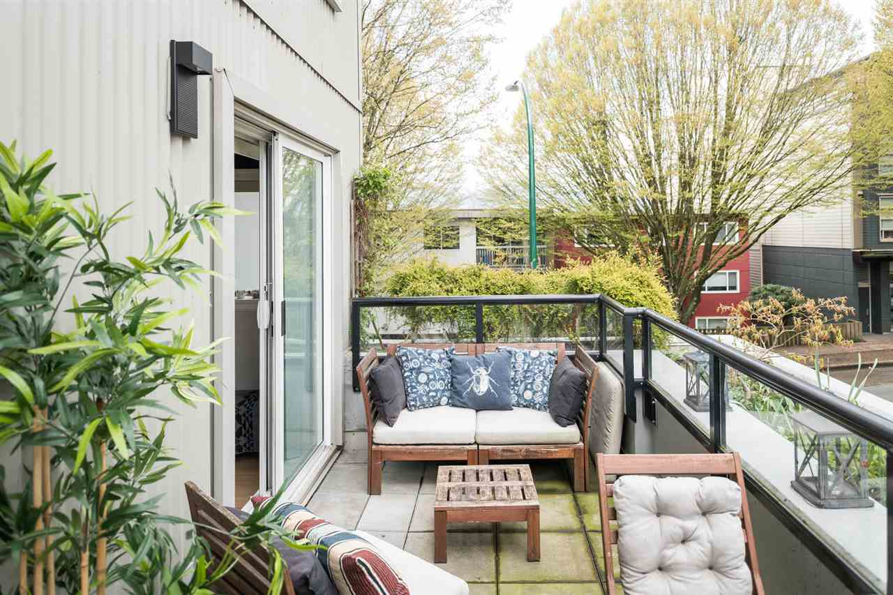 """Main Photo: 307 1718 VENABLES Street in Vancouver: Grandview VE Condo for sale in """"CITY VIEW TERRACES"""" (Vancouver East)  : MLS®# R2259867"""