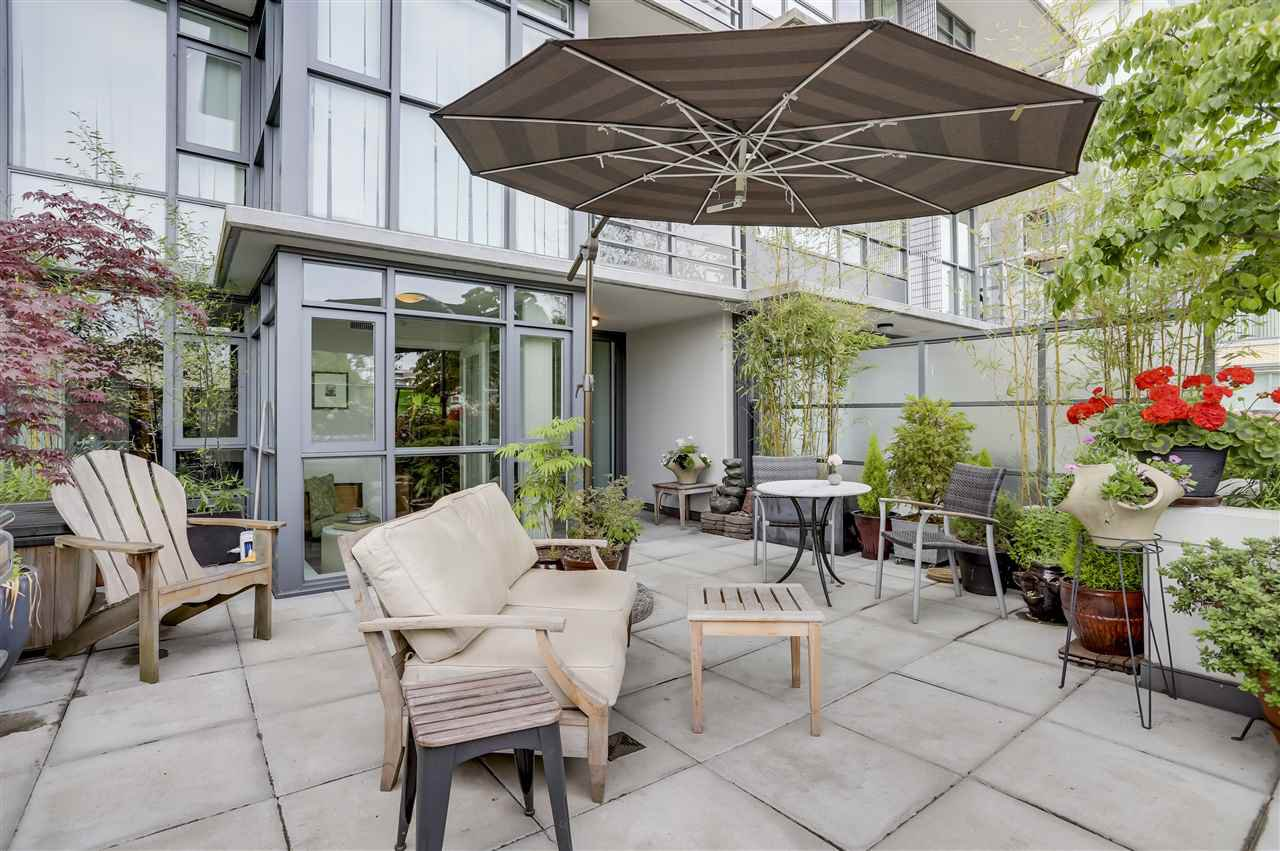 "Main Photo: 262 2080 W BROADWAY in Vancouver: Kitsilano Condo for sale in ""PINNACLE LIVING ON BROADWAY"" (Vancouver West)  : MLS®# R2278203"