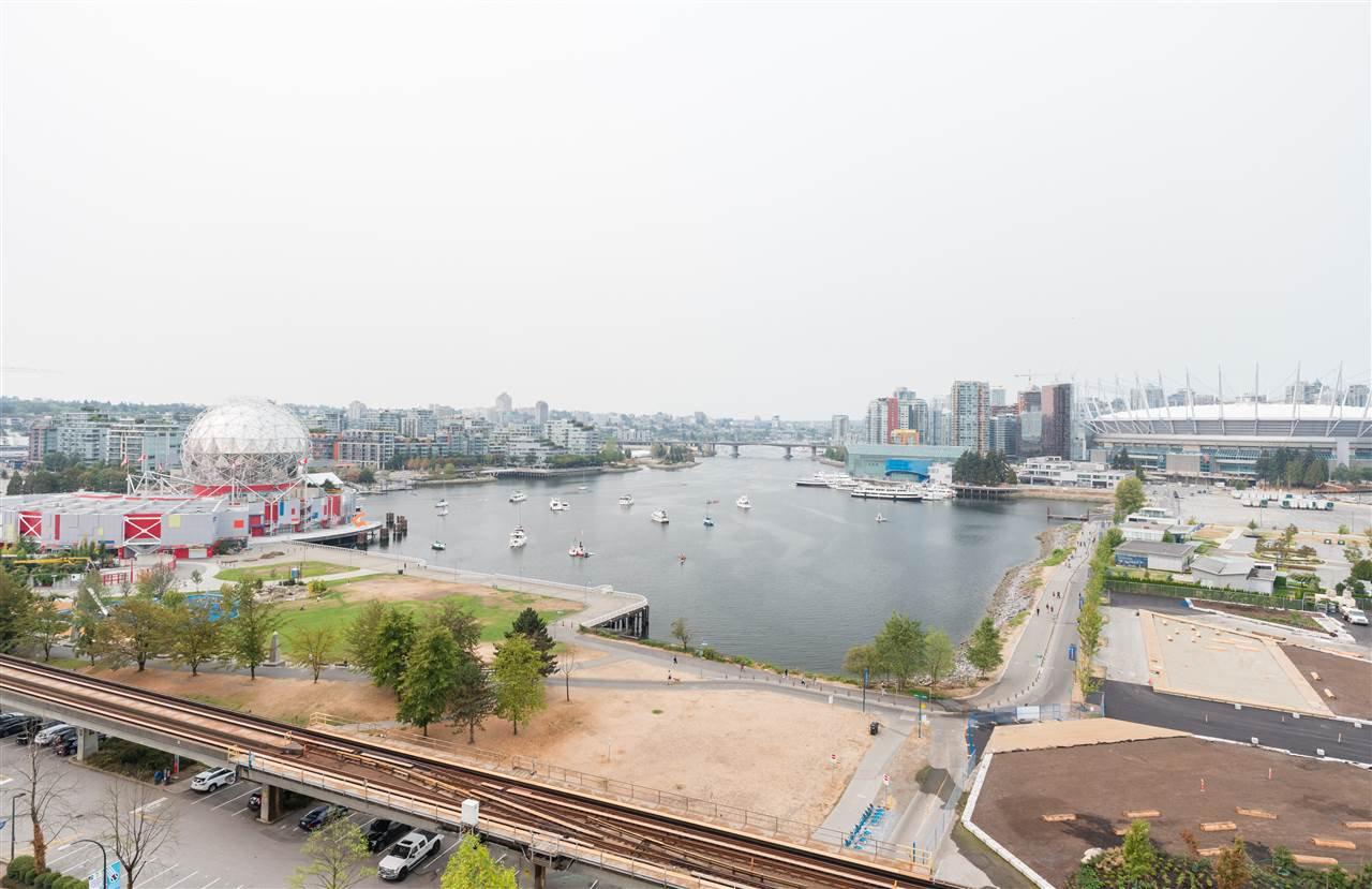 "Main Photo: 1405 120 MILROSS Avenue in Vancouver: Mount Pleasant VE Condo for sale in ""Brighton"" (Vancouver East)  : MLS®# R2299043"