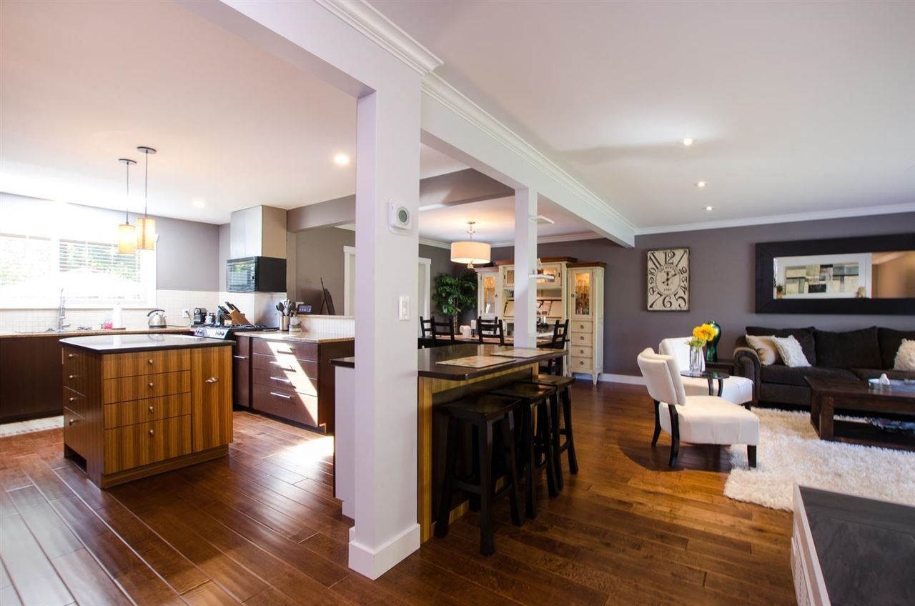 Photo 2: Photos: 17256 62 Avenue in Surrey: Cloverdale BC House for sale (Cloverdale)  : MLS®# R2310093