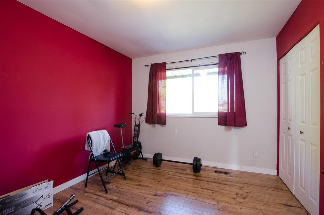 Photo 9: Photos: 17256 62 Avenue in Surrey: Cloverdale BC House for sale (Cloverdale)  : MLS®# R2310093