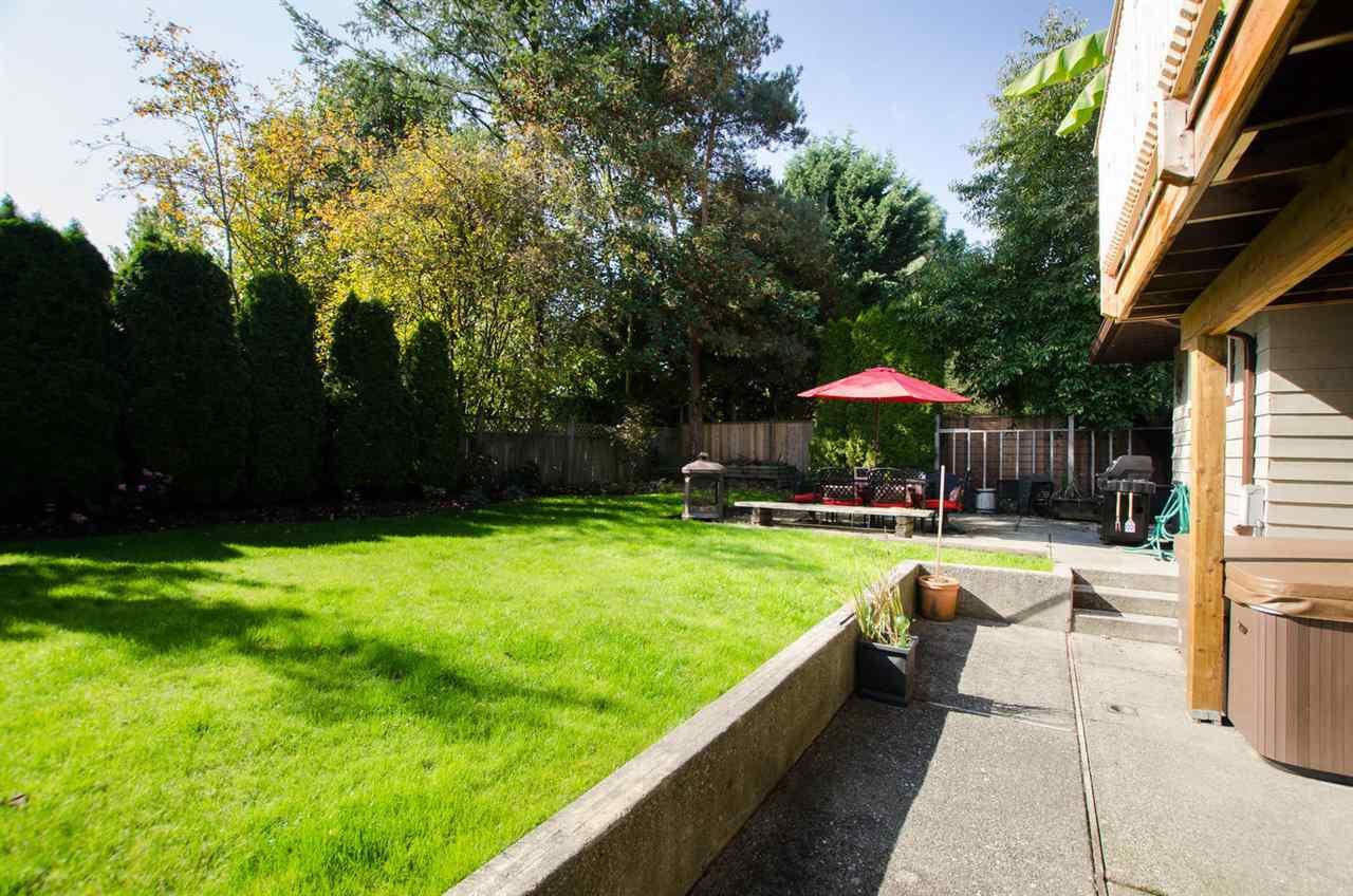 Photo 19: Photos: 17256 62 Avenue in Surrey: Cloverdale BC House for sale (Cloverdale)  : MLS®# R2310093