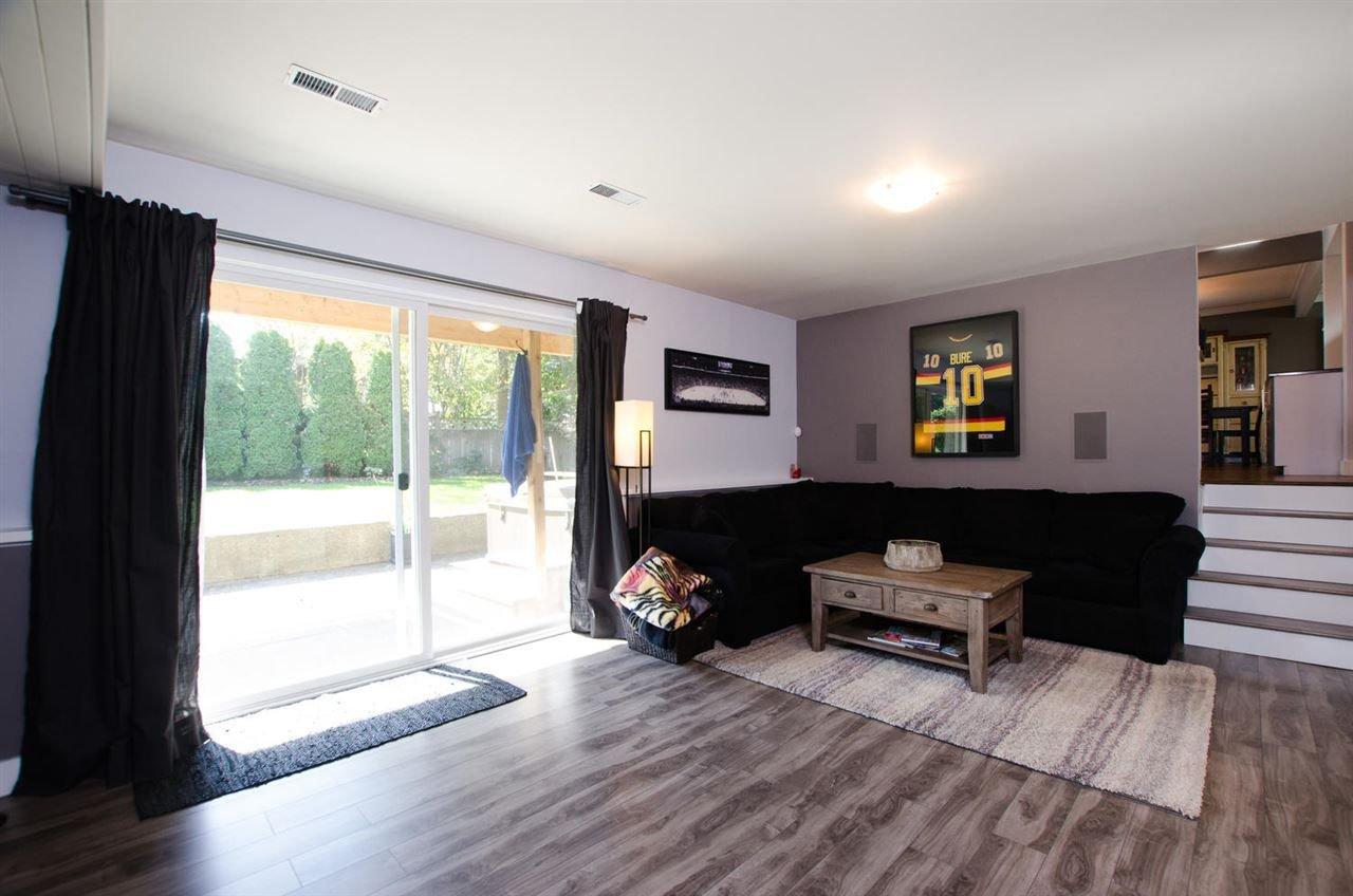 Photo 17: Photos: 17256 62 Avenue in Surrey: Cloverdale BC House for sale (Cloverdale)  : MLS®# R2310093