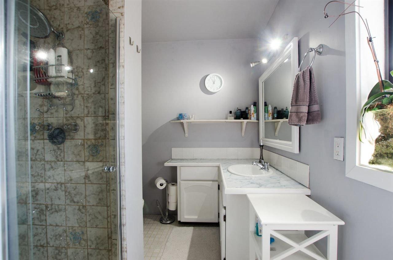 Photo 13: Photos: 17256 62 Avenue in Surrey: Cloverdale BC House for sale (Cloverdale)  : MLS®# R2310093