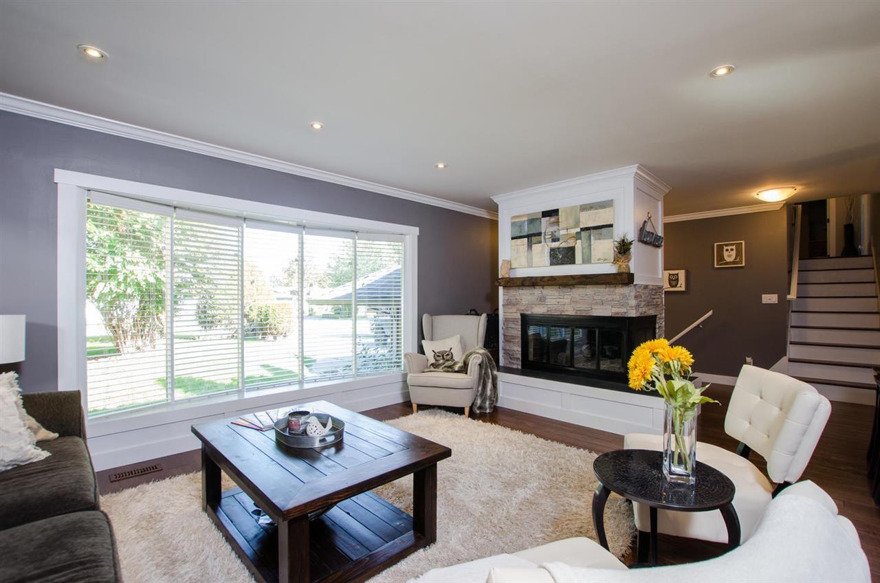 Photo 8: Photos: 17256 62 Avenue in Surrey: Cloverdale BC House for sale (Cloverdale)  : MLS®# R2310093