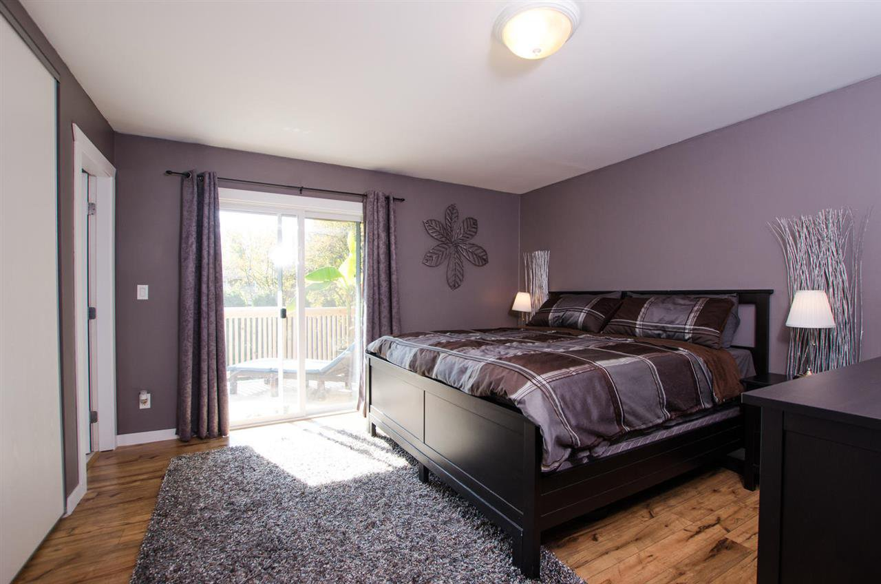 Photo 12: Photos: 17256 62 Avenue in Surrey: Cloverdale BC House for sale (Cloverdale)  : MLS®# R2310093