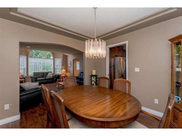 "Photo 9: Photos: 9283 203 Street in Langley: Walnut Grove House for sale in ""Forest Glen"" : MLS®# R2329543"
