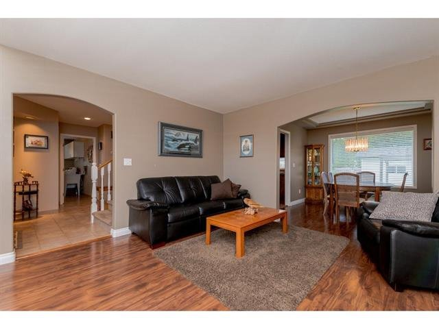 "Photo 5: Photos: 9283 203 Street in Langley: Walnut Grove House for sale in ""Forest Glen"" : MLS®# R2329543"