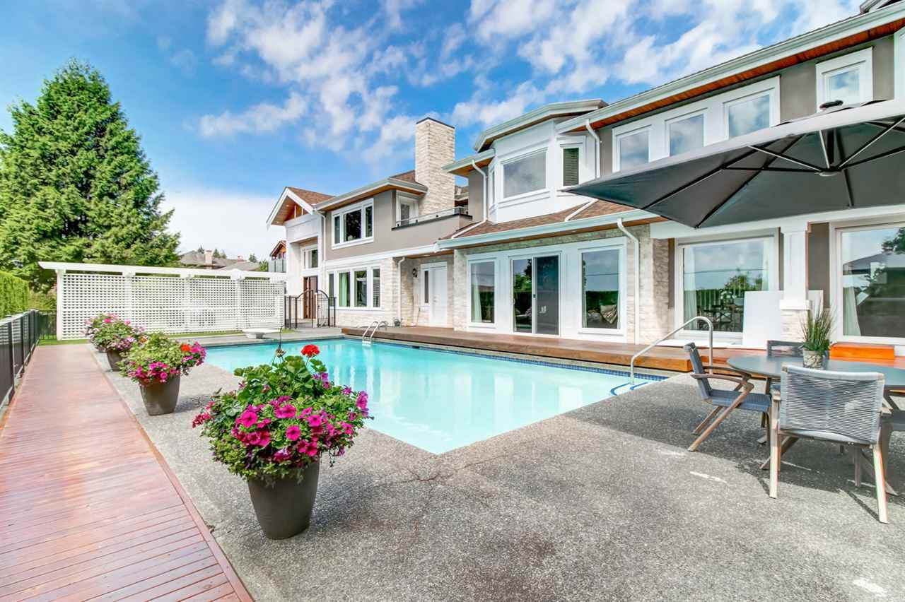 Main Photo: 1445 NELSON Avenue in West Vancouver: Ambleside House for sale : MLS®# R2364962