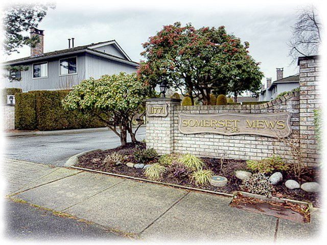 "Main Photo: 19 11771 KINGFISHER Drive in Richmond: Westwind Townhouse for sale in ""Somerset Mews"" : MLS®# R2376103"