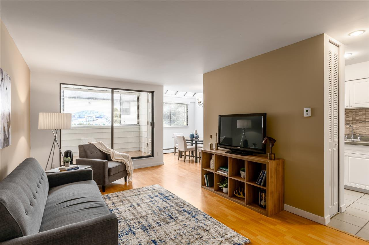 Main Photo: 207 225 SIXTH Street in New Westminster: Queens Park Condo for sale : MLS®# R2440981