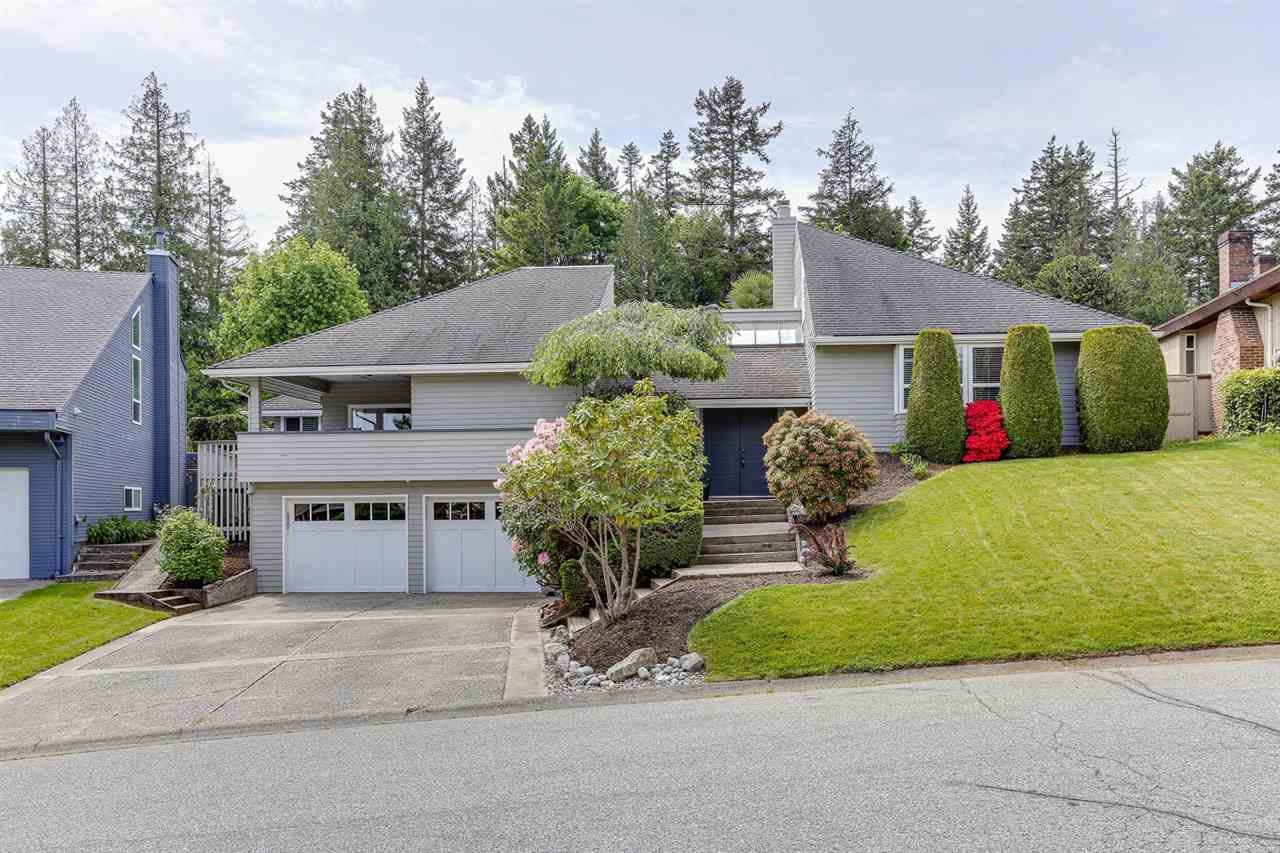 Main Photo: 5700 SHERWOOD BOULEVARD in : Tsawwassen East House for sale : MLS®# R2455665