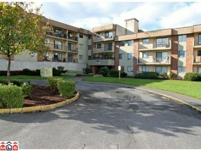 Main Photo: 202 45598 MCINTOSH Drive in Chilliwack: Chilliwack W Young-Well Condo for sale : MLS®# H1203127