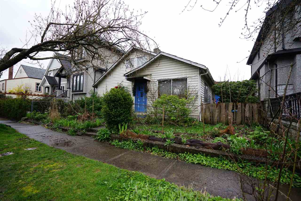 Main Photo: 66 E 23RD Avenue in Vancouver: Main House for sale (Vancouver East)  : MLS®# R2057070