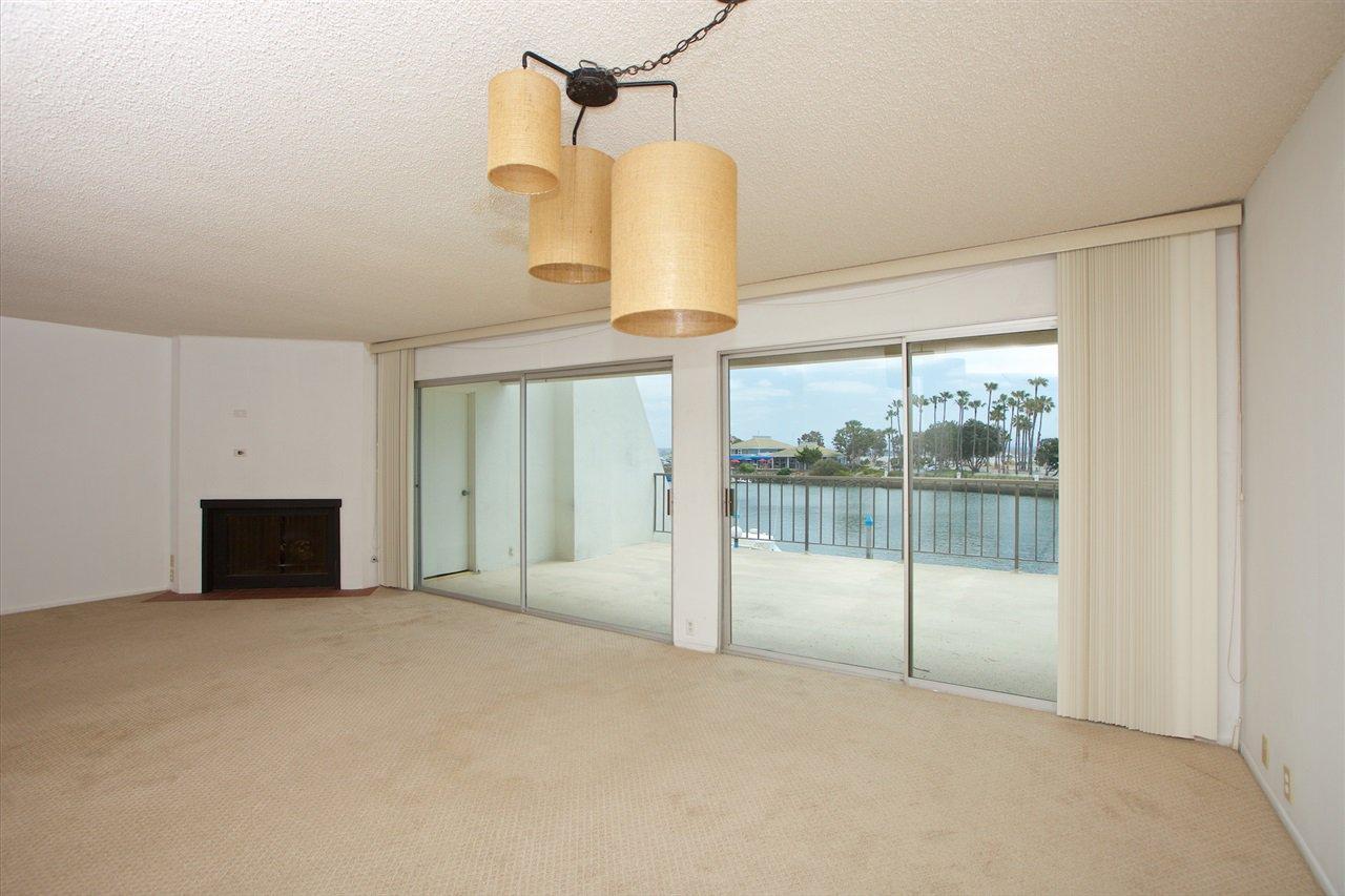 Photo 13: Photos: CORONADO CAYS Condo for sale : 3 bedrooms : 8 Antigua Court in Coronado