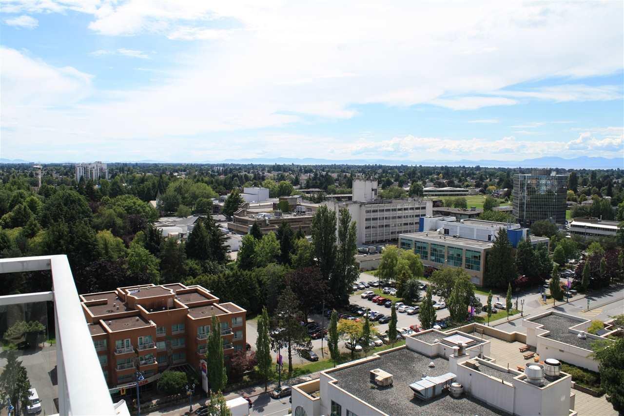"""Photo 4: Photos: 1807 5900 ALDERBRIDGE Way in Richmond: Brighouse Condo for sale in """"LOTUS"""" : MLS®# R2081005"""