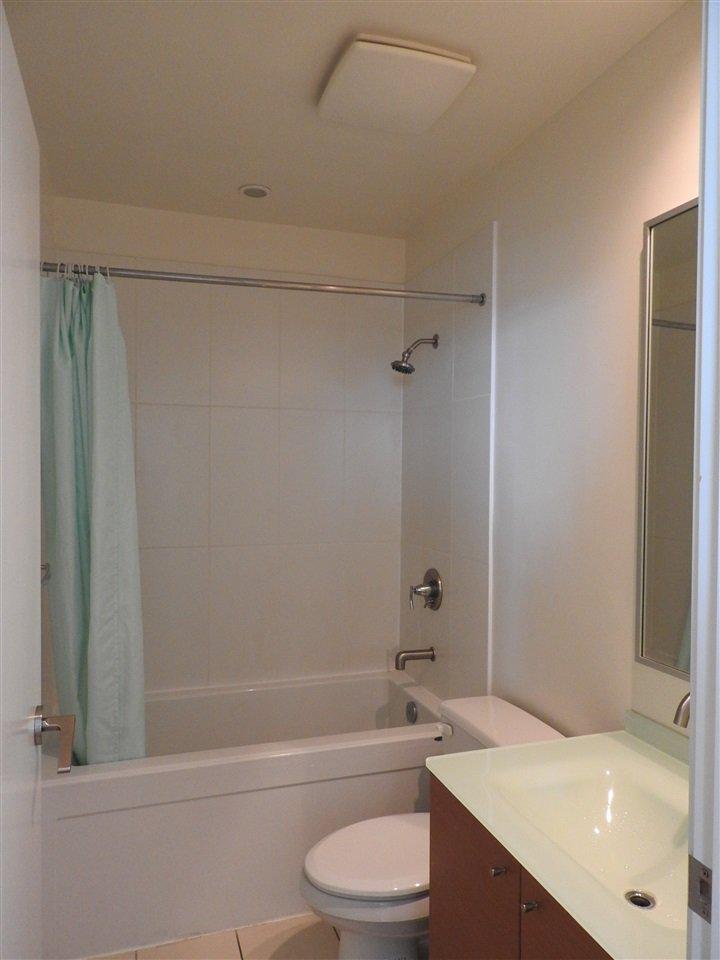 """Photo 15: Photos: 1807 5900 ALDERBRIDGE Way in Richmond: Brighouse Condo for sale in """"LOTUS"""" : MLS®# R2081005"""