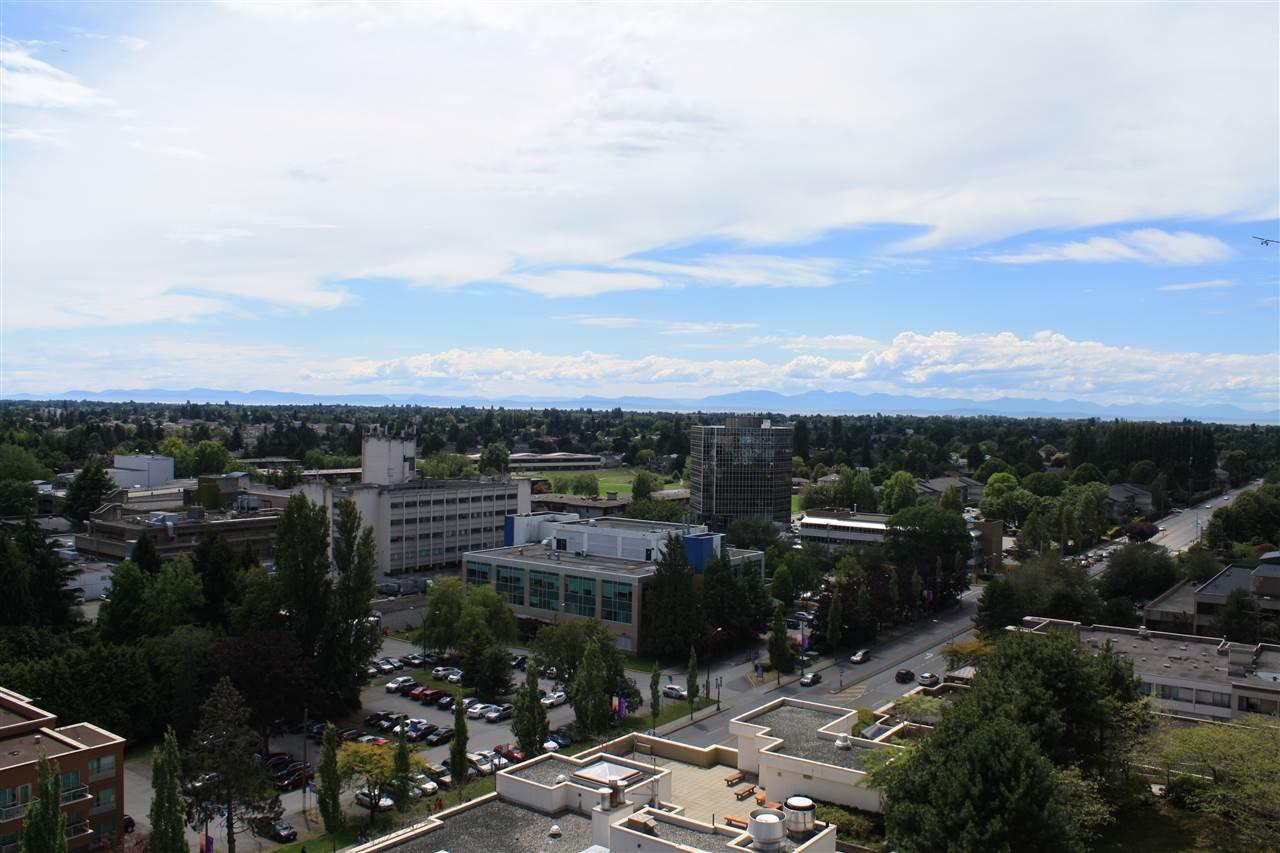 """Photo 2: Photos: 1807 5900 ALDERBRIDGE Way in Richmond: Brighouse Condo for sale in """"LOTUS"""" : MLS®# R2081005"""