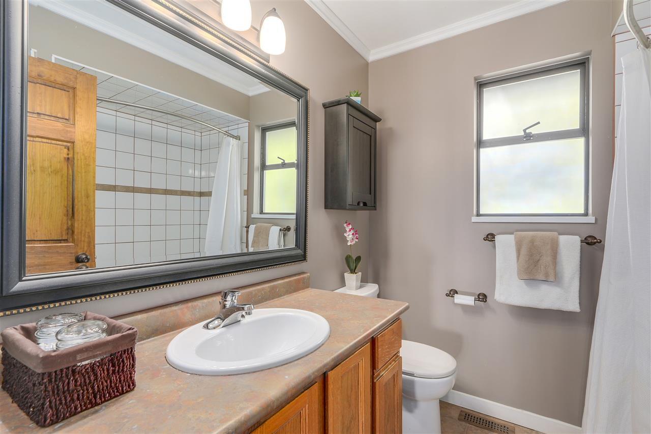 "Photo 11: Photos: 2633 TURRET Crescent in Coquitlam: Upper Eagle Ridge House for sale in ""UPPER EAGLERIDGE"" : MLS®# R2110589"